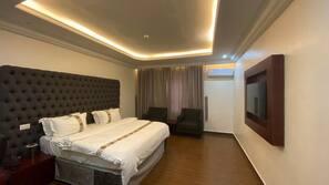 Minibar, desk, blackout drapes, rollaway beds