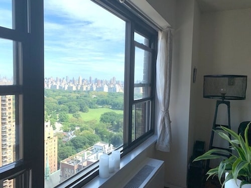 Luxury Doorman, Central Park View, Modern, Safe, Clean, Quite, High Floor,
