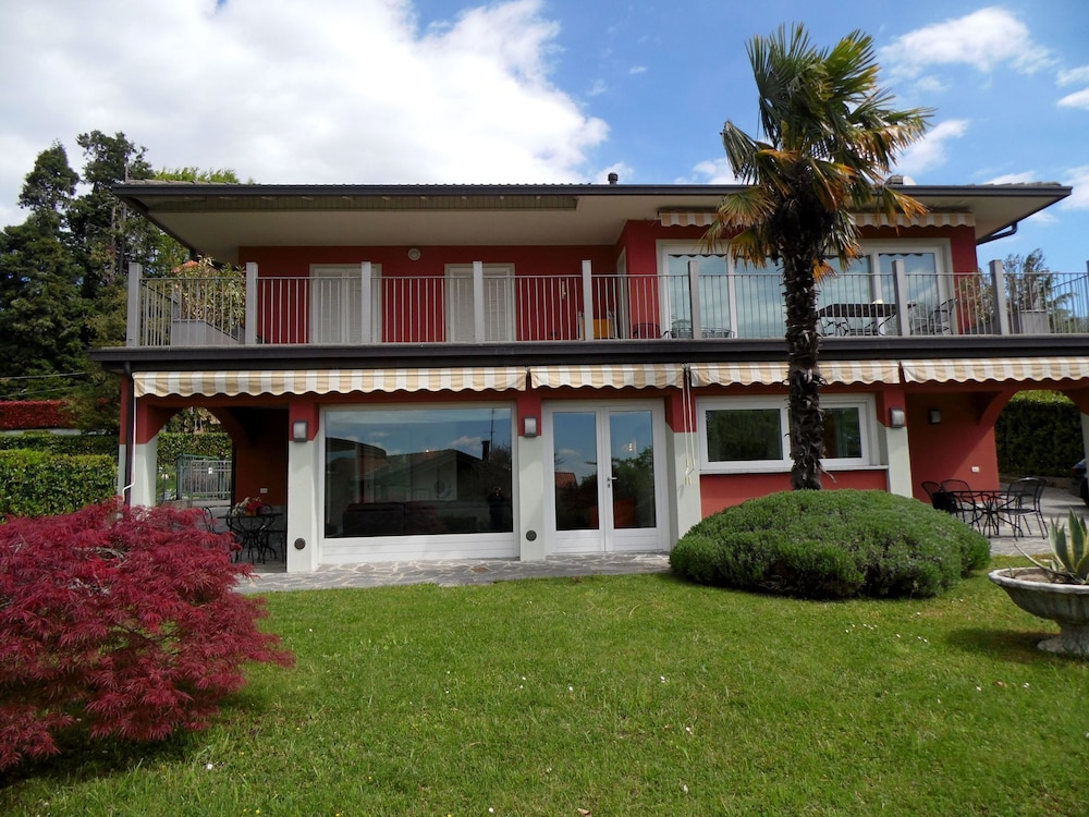 Exterior, Nice Apartment in a Villa With Three Apartments, With Private Porch and Garden