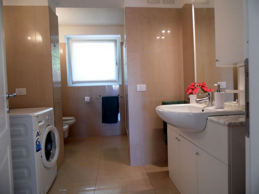 Bathroom, Nice Apartment in a Villa With Three Apartments, With Private Porch and Garden