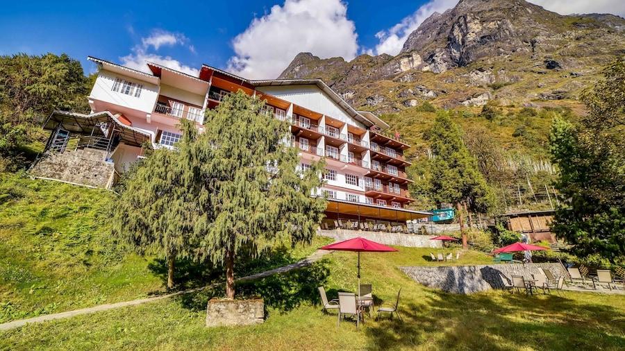 Summit Khangri Karpo Retreat and Spa