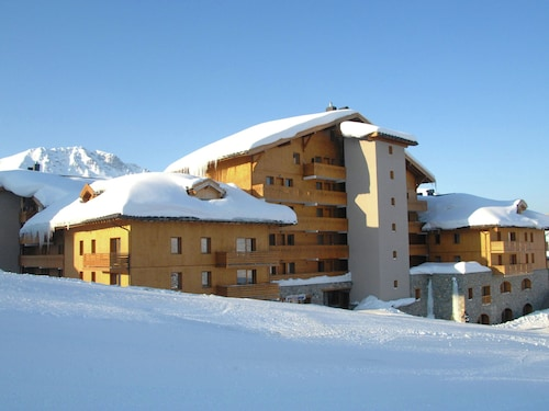 Apartment on Plagne Soleil Slopes With Skiing Area Closeby