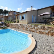 Beautifully Located Holiday Villa With Private Swimming Pool and Lovely View!