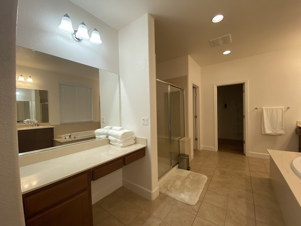 Bathroom, Luxury Executive Home