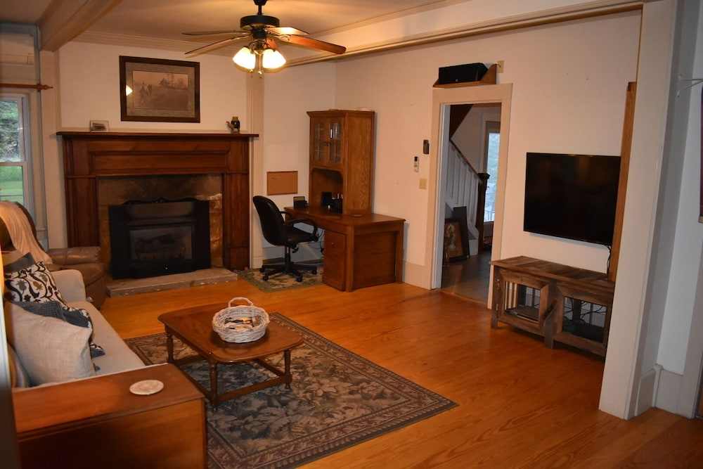 Living Room, The Cass House on the Mulberry River / Near OHV Trails