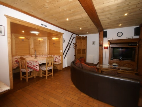 Charming Chalet in Ventron With Terrace