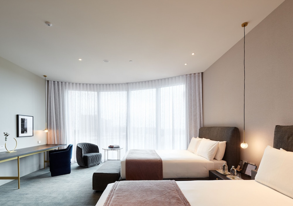 Room, Eos by SkyCity