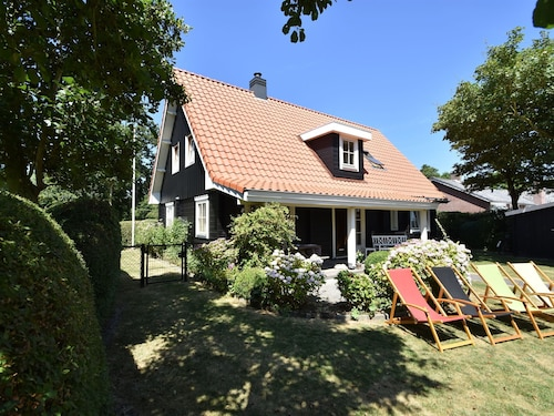 Garden-view Holiday Home in Domburg Near Centre & Forest