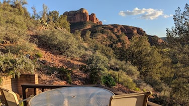 Cathedral Rock Secluded Getaway Home | 2 BR 2 BA + Jacuzzi | Perfect for a reset
