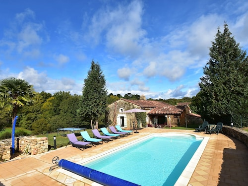 Beautiful House With Swimming Pool and Yurt Near Villefranche-du-périgord