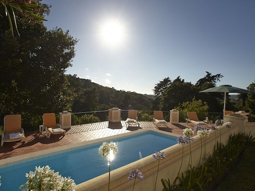 Matalva Main House and Cottage- Stylish and Secluded Villa, With Views and Pool