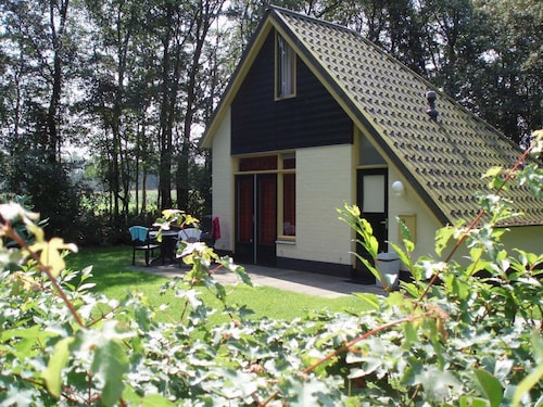 Attractive Holiday Home With Large Garden, Near Zwolle