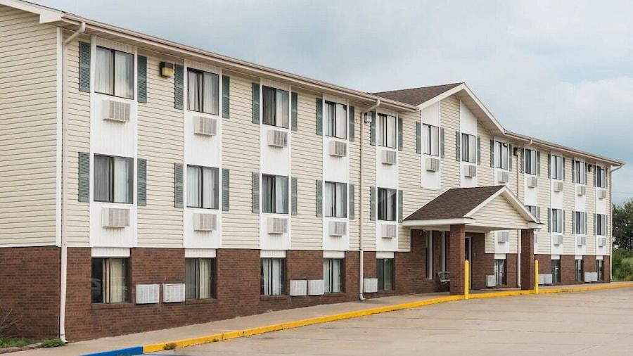 Amerihost Inn & Suites Kingdom City