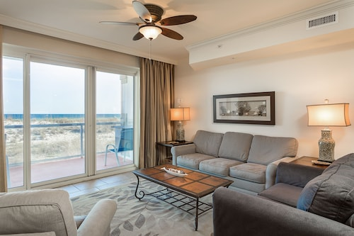 Gulf Views- Luxurious Amenities- Sleeps 4 Adults 2 Kids!