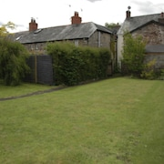 Vintage Holiday Home in Crickhowell With Garden