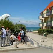 A Pleasant Little Studio Apartment With a Terrace, 30 Metres From the Beach