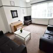 Spacious Holiday Home in Coventry Near Coventry Cathedral