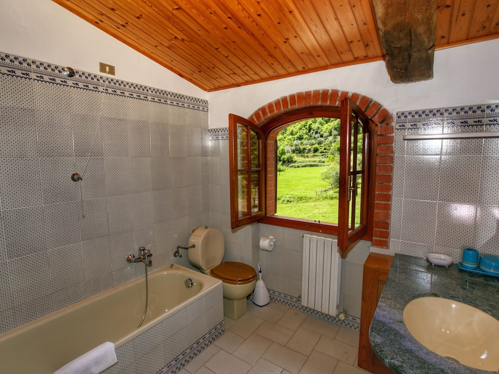 Bathroom, Holiday Home With Shared Swimming Pool in the Green Hills of Chianti