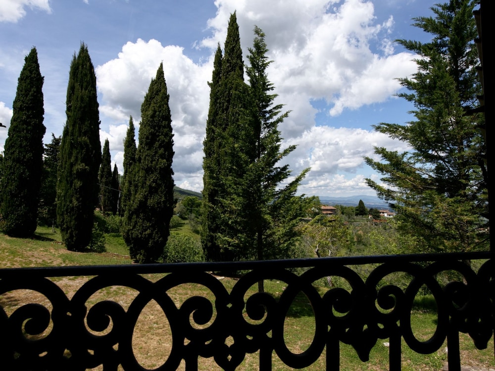Balcony, Holiday Home With Shared Swimming Pool in the Green Hills of Chianti