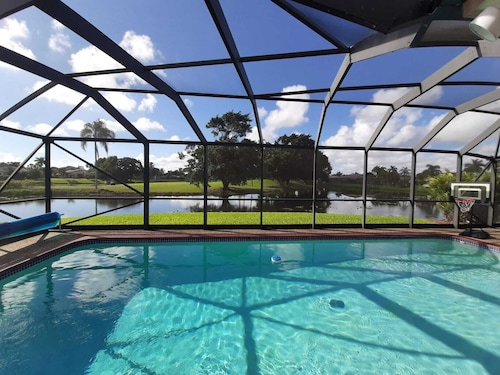 Boca Raton Golf Gated Community 25' fr Beach & 45' fr Miami
