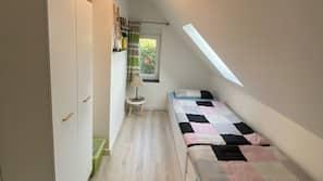 2 Schlafzimmer, Babybetten, WLAN, Bettwäsche