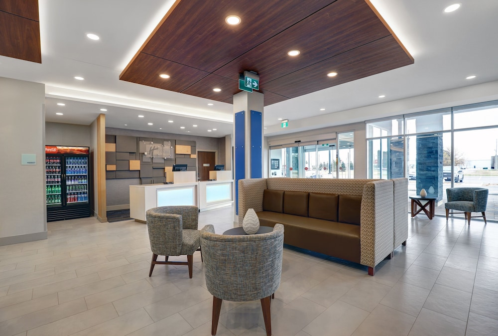 Lobby, Holiday Inn Express & Suites Port Elgin, an IHG Hotel