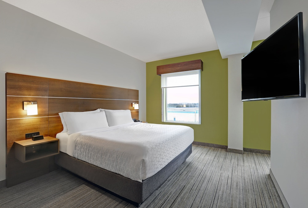 Room, Holiday Inn Express & Suites Port Elgin, an IHG Hotel