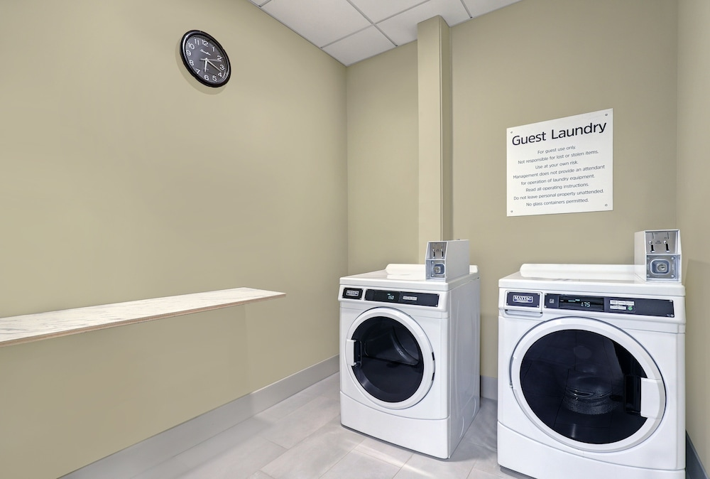 Laundry, Holiday Inn Express & Suites Port Elgin, an IHG Hotel