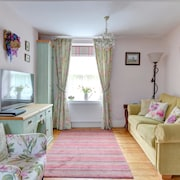 Tranquil Holiday Home in Dolgellau Near Zip World
