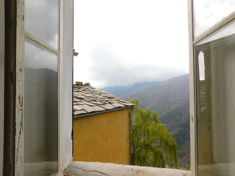 , Valley-view Holiday Home in Badalucco Near Museum