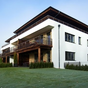 Modern Apartment Near Ski Area in Zell em See