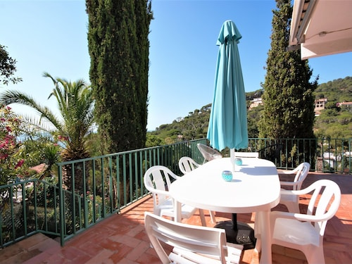 Nice Villa With sea View for 6 in Residential Area Costa Brava at 150m of Beach