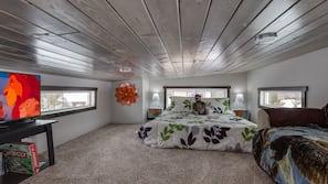 2 bedrooms, laptop workspace, free WiFi, linens