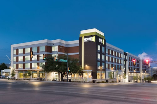Home2 Suites by Hilton Fort Worth Cultural District