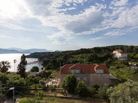 Charming Island Apartment+garden,70m From Sandy Beach and Restaurant, Free Wi-fi