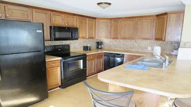 1 Bedroom Villa Close to the Beach in Holmes Beach!