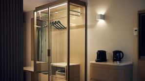 Een minibar, een kluis op de kamer, verduisterende gordijnen