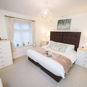 Lovely Serviced Apartment in Royal Swan Quarter Leatherhead