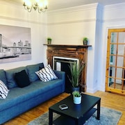Quiet, Central Spacious 1 Bedroom Apartment With Private Parking