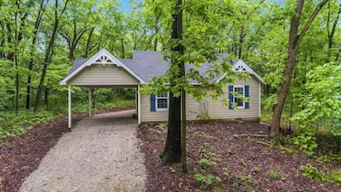 Dogwood Cottage - Private & Wooded 1/4 mile From Lake!