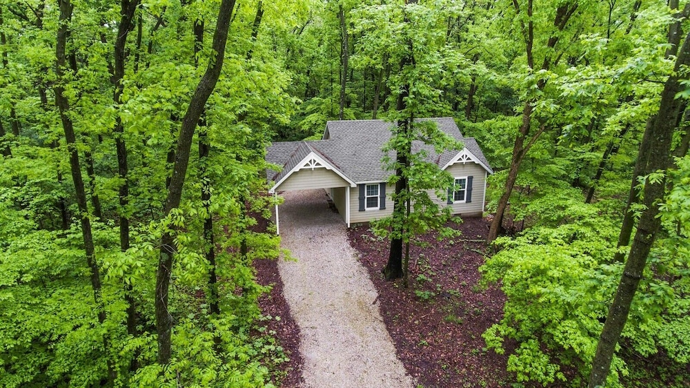 Property Grounds, Dogwood Cottage - Private & Wooded 1/4 mile From Lake!