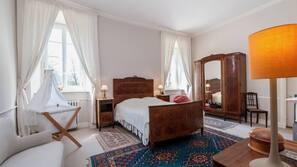 14 chambres, fer et planche à repasser, lits bébé, Wi-Fi