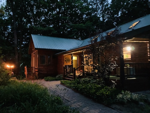 The Wild River Lodge Secluded on Muskegon River in Newaygo, Michigan