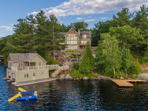 Acton Island - Gorgeous Cottage & Boathouse! Fun for All!