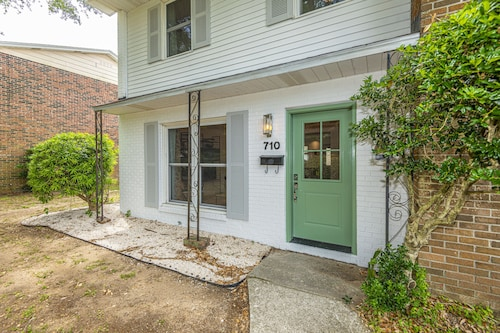 Pristine Townhouse - Beach, Charleston, Pool, Low Country Fun
