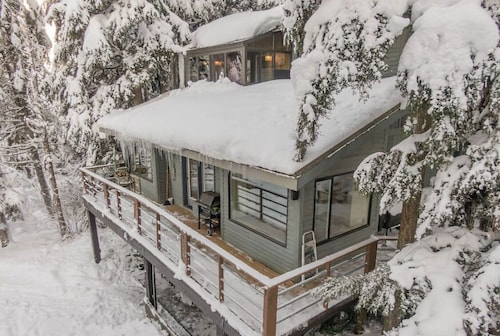 Amazing Cabin Close to Lifts, Brewery, Dining, Hiking and Biking