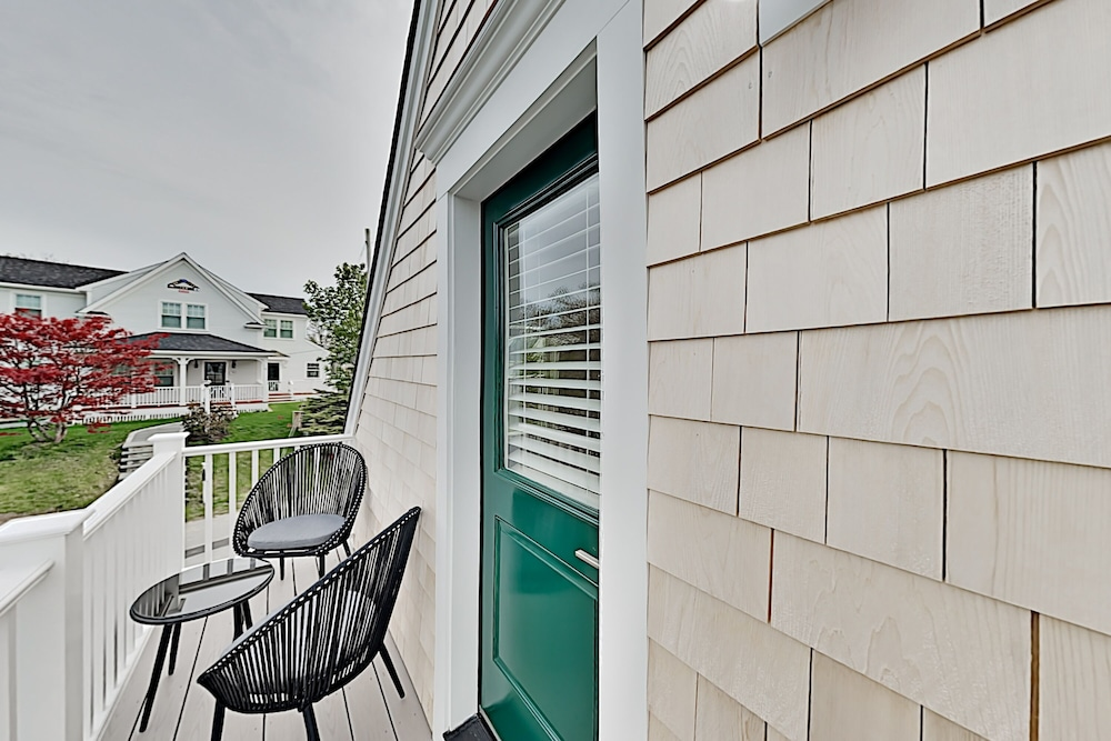 Balcony, New Lavish Condo in Heart of Downtown Chatham - Walk to Dining, Shops & Beach