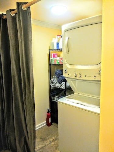 Laundry, A Hollywood Haven,warm,light,pet Friendly,walkable