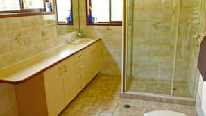 Separate bathtub and shower