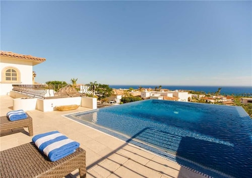 Two Luxurious Villas Perfect for Golfers at Dos Casas